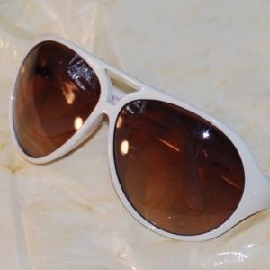 French Connection Sunglasses Wht Aviator Ambr Len